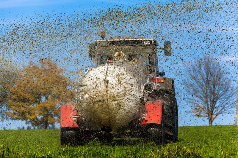 Melden uitrijden waterverdunde mest
