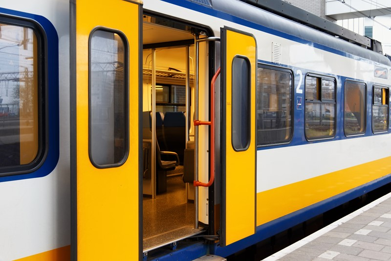 Paying or refunding transport costs